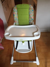 baby high chair in good condition !