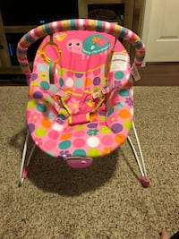 Baby bouncer brand new never used  589 mi