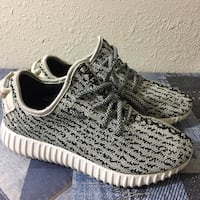 Youth Sneakers  Los Angeles, 90002