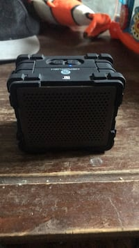Bluetooth head rush speaker Oshawa, L1H 4R5