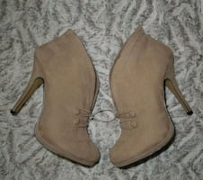 Apt.9 Suede Slip On Casual Ankle Booties Size 9