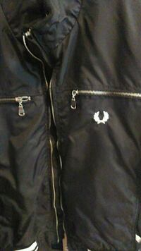 giacca con zip in pelle nera Fred Perry Milan, 20128