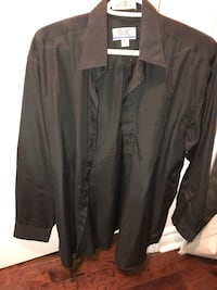 Black shirt size M almost new  Montreal, H1J 1G2