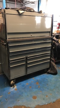 Snap on tool box 42inch with hutch 8 grand for just box or 12 including tools obo Manassas, 20110