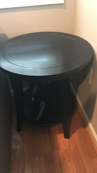 Pottery Barn round side table, black  Arlington, 22204