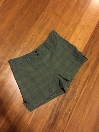 Medium Plaid shorts Charleston, 29412