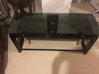 Moving !! Needs to go !!!Tv stand