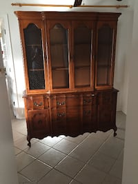 Thomasville china cabinet with hutch VIRGINIABEACH