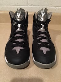 Youth Size 7 Nike Hyperquickness Basketball Shoes