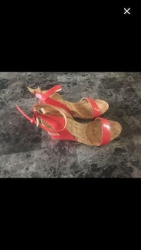 Pink Patent Leather Wedge Sandals Toronto, M1P 4P5