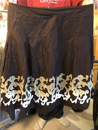 Size 14 petite fancy dress skirt gorgeous design and pattern see pics Burnaby, V5E