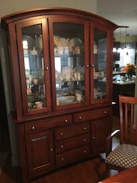 Solid cherry wood dining room set. Includes China cabinet, table with leaf and 6 chairs + a bonus!!! Englewood, 45315