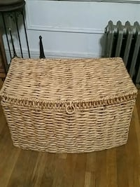 Large Wicker Chest with Lid & Handles Queens, 11103