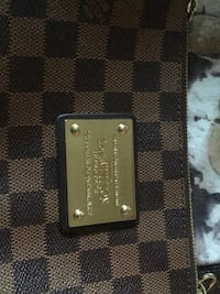 High leather quality comes with dust bag LOUIS VUITTON Toronto, M9M