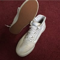 pair of white Nike low-top sneakers Bowie, 20715