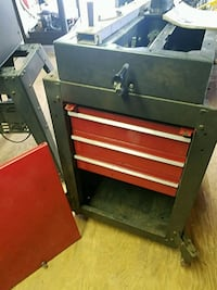 Radial saw 10 in and tool chest bottom  Hellertown, 18055
