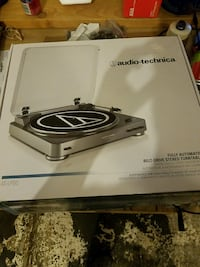 Audio-technica AT-LP60 BRAND NEW record player turntable