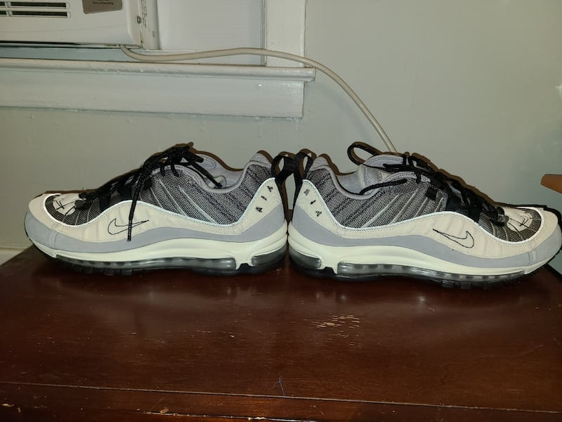 Nike Air Max '98 Inside Out Wolf Grey Size 10 Men  bad648e5-b343-414f-8648-a9f251724835