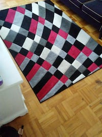 160×230 multi color , gently used , excellent condition Toronto