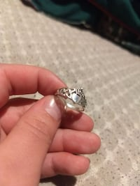 silver-colored ring Peoria, 61604