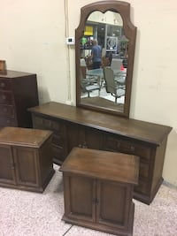 Dresser with mirror and 2 nightstands  Daytona Beach, 32117