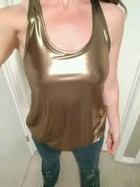 Great Gold Top for Holiday Party! Calgary