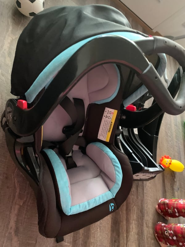 Two baby essentials babytrend stroller and car seat removable  f4be08bf-7329-475d-8ece-f9b4225ee77f