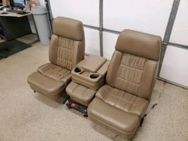 Bucket bench seat with seat frame