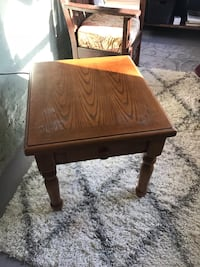 square brown wooden side table Millbury, 01527