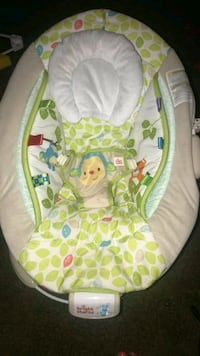 baby's white and green bouncer Stockton, 95204