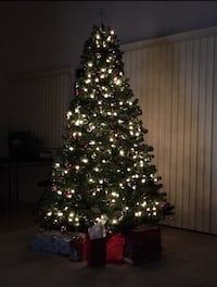 Artificial Christmas Tree- 7.5 ft Los Angeles, 90025