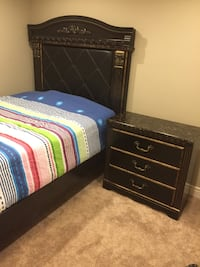 Used queen bedroom set for sale in calgary letgo - Used queen bedroom sets for sale ...