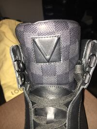 Lv sneaker boot 10/10 condition worn a few times  Burnaby, V5C