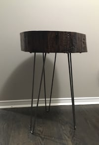 Handcrafted hardwood accent table Smith-Ennismore-Lakefield, K0L