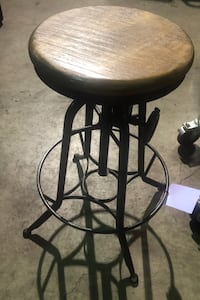 Bar stool swirl