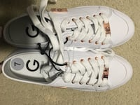 Guess brand new shoes size 7 Surrey, V3X 1B8