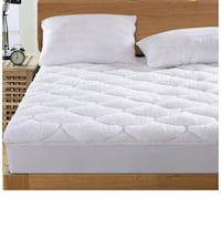 QUEEN QUILTED FITTED MATTRESS COVER Victorville, 92392
