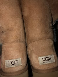 Women's Uggs size 10 Baltimore
