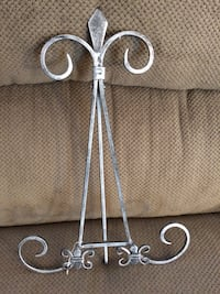 Shabby chic book or tablet stand holder