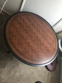 Round coffee/patio table Halethorpe, 21227