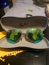 silver framed Ray-Ban aviator sunglasses with case Windsor
