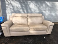 Italian leather couch BEST OFFER Mississauga, L5E 2S3