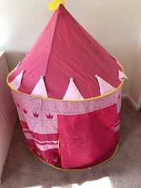 pink and white tipi tent Hampstead, 21074