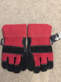 Gloves  Pickering, L1V 2Y8