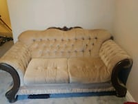 Vintage solid wood frame couch.  Toronto, M6G 2H3