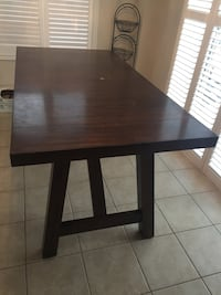 Wooden laminated dinner table Richmond Hill, L4E 4Y8