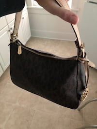 Michael kors purse in great condition  Elkhorn, 68022
