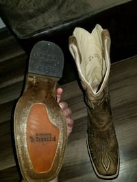 pair of brown leather cowboy boots Bristol, 24202