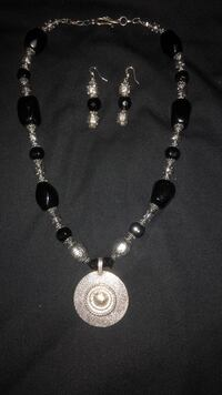 Necklace and Earrings Smith-Ennismore-Lakefield, K0L