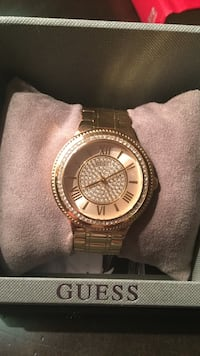 Gold guess Watch  Kelowna, V1W 4T9